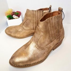 Universal Thread Gold Ankle Boots sz 8 NEW NWT